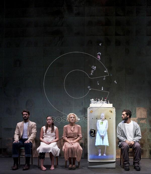 γυαλινος κοσμος θεατρο δ χορν 2011.κκ