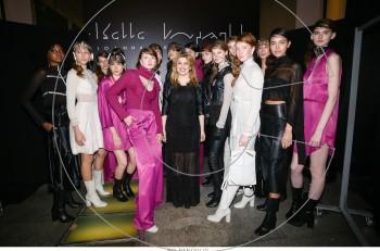 Ιωάννα Κουρμπέλα: fashion event της συλλογής «Arch Echoes» στο City Link
