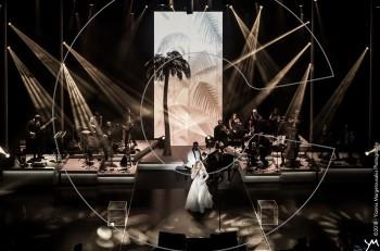 Ονειρική Νατάσσα Μποφίλιου στην πρεμιέρα του «Μπελ Ρεβ» στο Γκάζι Live