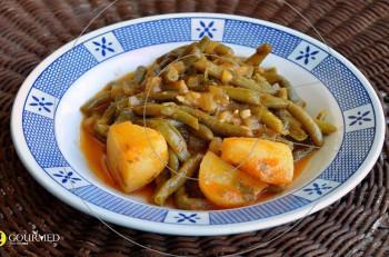 Συνταγή για φασολάκια λαδερά με πατάτες