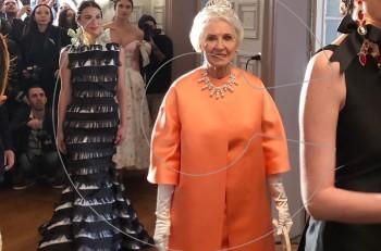 """Με """"Βασίλισσα"""" την Υακίνθη στο fashion show του Βασίλη Ζούλια υποβάλλαμε τα σέβη μας"""