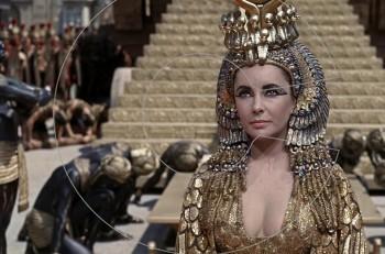 """Όταν η Λιζ Τέιλορ μπήκε στο Γκίνες για την """"Cleopatra"""" (και ποια τραγουδίστρια την ξεπέρασε)"""