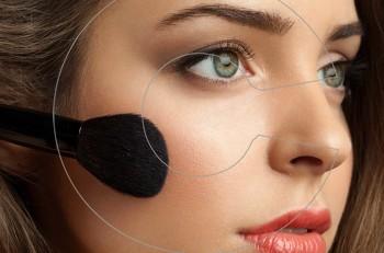 6 makeup tricks για τις μέρες που η επιδερμίδα σας δείχνει ταλαιπωρημένη