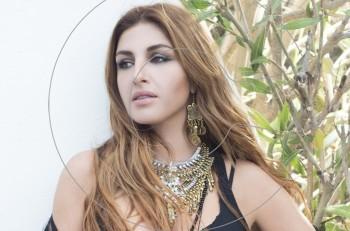 Έτσι Κι Έτσι: η Έλενα Παπαρίζου σε 4 μοναδικά remixes
