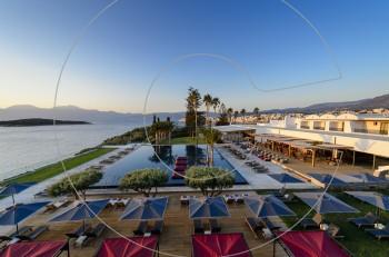 Η bluegr Hotels & Resorts υποδέχεται το καλοκαίρι