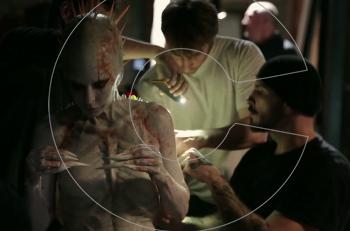 """Από τις καλύτερες ταινίες είδους της χρονιάς: Η Μιλέν Φαρμέρ σε """"πορνό"""" τρόμου (βίντεο)"""