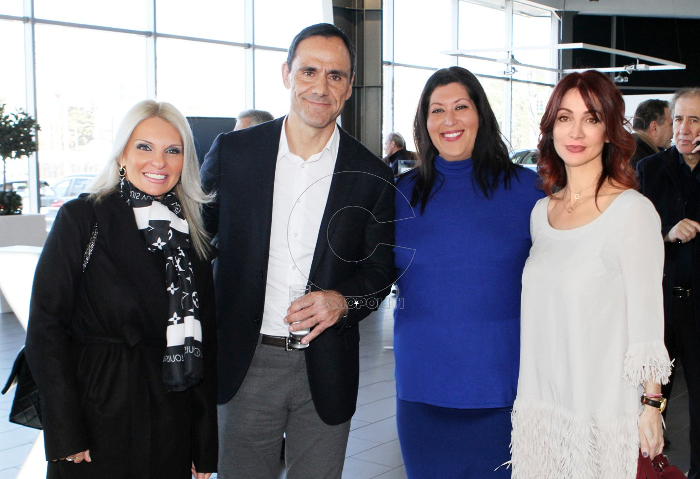 6 Ο Γιώργος Βασιλάκης Δ-νων Σύμβουλος της Βελμάρ με τις Σαλίνα Τσάνα, Δώρα Αντωνίου Υπ. Marketing της BMW Βελμάρ & Μένια Ιωαννίδου