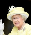 epa06673228 (FILE) Britain's Elizabeth II waves as she arrives to St Paul's Cathedral ahead of The National Service of Thanksgiving to mark her 90th birthday in London, Britain, 10 June 2016 (reissued 16 April 2018). Britain's Queen Elizabeth II celebrates her 92nd birthday on 21 April 2018.  EPA/FACUNDO ARRIZABALAGA *** Local Caption *** 52813545