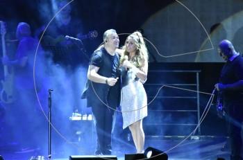 Αντώνης Ρέμος & Έλενα Παπαρίζου: sold out & αποθέωση στο  Κατράκειο θέατρο