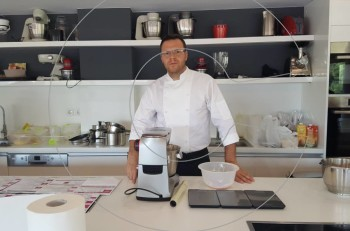 """Ο διάσημος pastry chef Richard Phelion στο """"Δειπνοσοφιστήριον"""""""