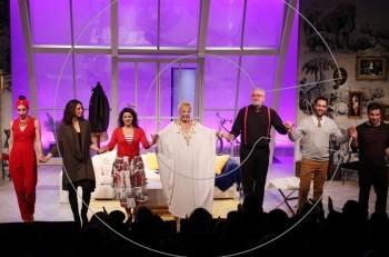 Για πρώτη φορά στην τηλεόραση! Νύφη κουράγιο: Η Ζωή Λάσκαρη στην τελευταία θεατρική της παράσταση