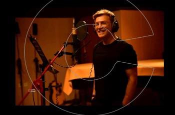 Δυο άνθρωποι ένα κορμί: ο Τάκης Ζαχαράτος στο νέο single από το άλμπουμ που έρχεται!