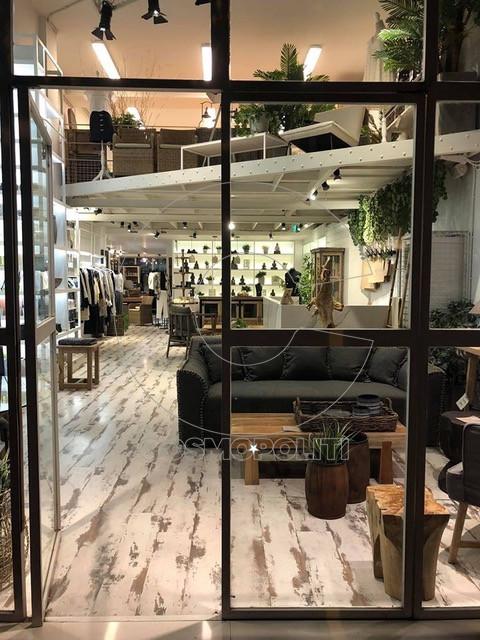 df181c13554 Το Graffito αποτελεί το πρώτο concept store της Αθήνας, το οποίο έφερε τη  φιλοσοφία του εξωτερικού στο χώρο του shopping, στην πόλη μας.