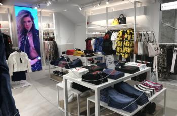 Guess: νέο κατάστημα στην καρδιά της Αθήνας