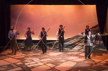 """""""Το χώμα βάφτηκε κόκκινο"""" για πρώτη φορά στο Θεσσαλικό Θέατρο"""