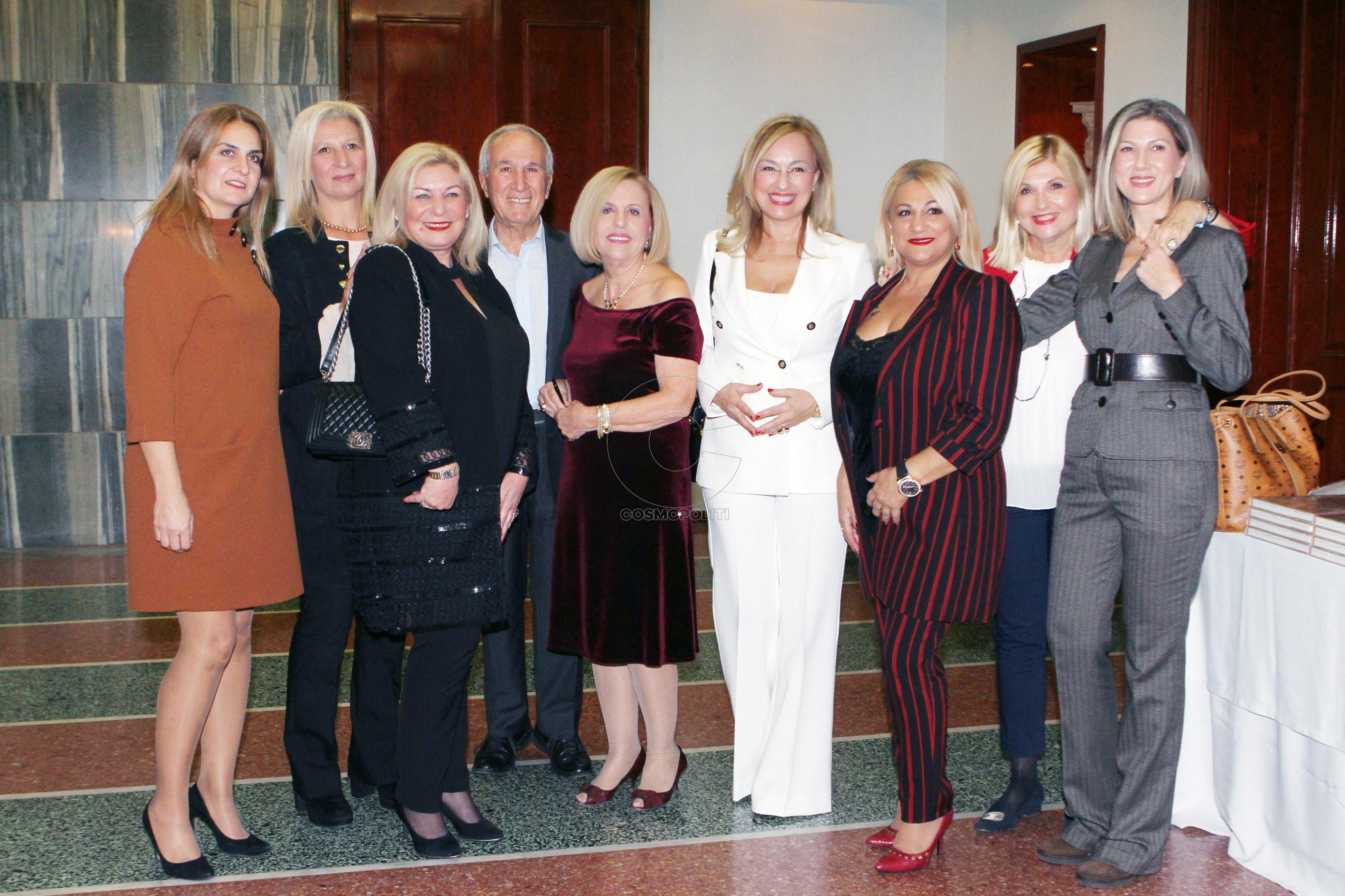 Σύσσωμες οι Καλλιπάτειρες Πιερίας με την Συντονίστριά τους κ. Εύα Πατέρα, την Λόλα Νταϊφά , την Αλεξάνδρα Γωγούση και τον Αλέξη Κωστάλα