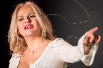 """""""Σίρλεϋ Βαλεντάιν"""" με την Μπέσυ Μάλφα σε σκηνοθεσία Αλέξανδρου Ρήγα από 17 Δεκεμβρίου"""