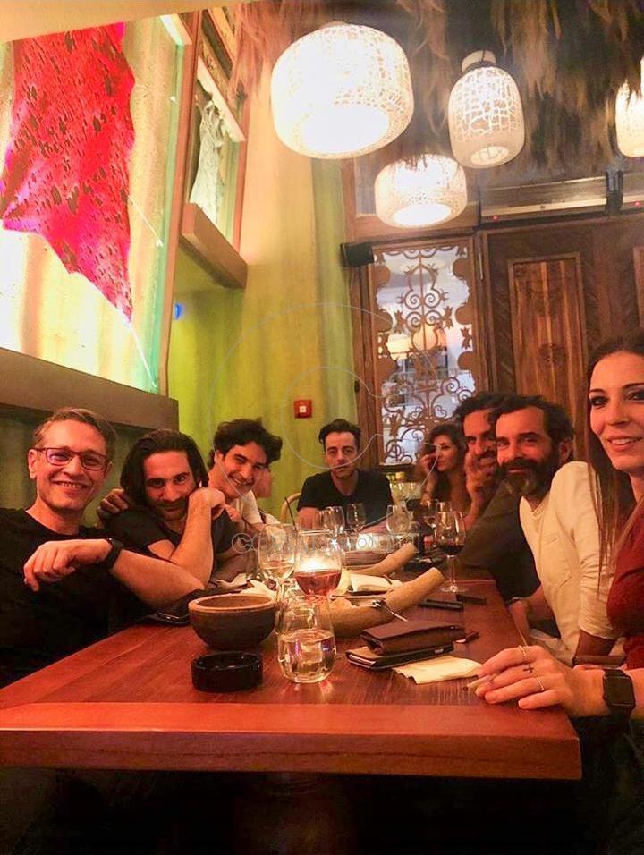 Στο εστιατόριο PatPong Thai Restaurant βρέθηκαν ο Κωνσταντίνος Μαρκουλάκης  με τον καλό του φίλο Χριστόφορο Παπακαλιάτη και την θεατρική τους ομάδα για  lunch ... 6a151a91e44