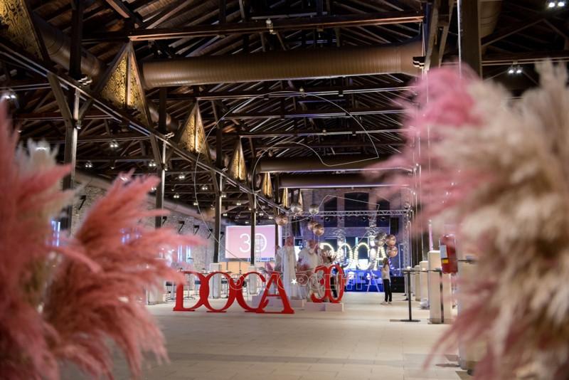 98e9dfd0fb Η DOCA έκλεισε τα 30 χρόνια της στον χώρο της μόδας και το γιόρτασε με το πιο  λαμπερό πάρτι