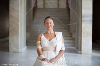 Η Βερόνικα Αργέντζη ερμηνεύει την «Ελένη» σε σκηνοθεσία Δήμου Αβδελιώδη