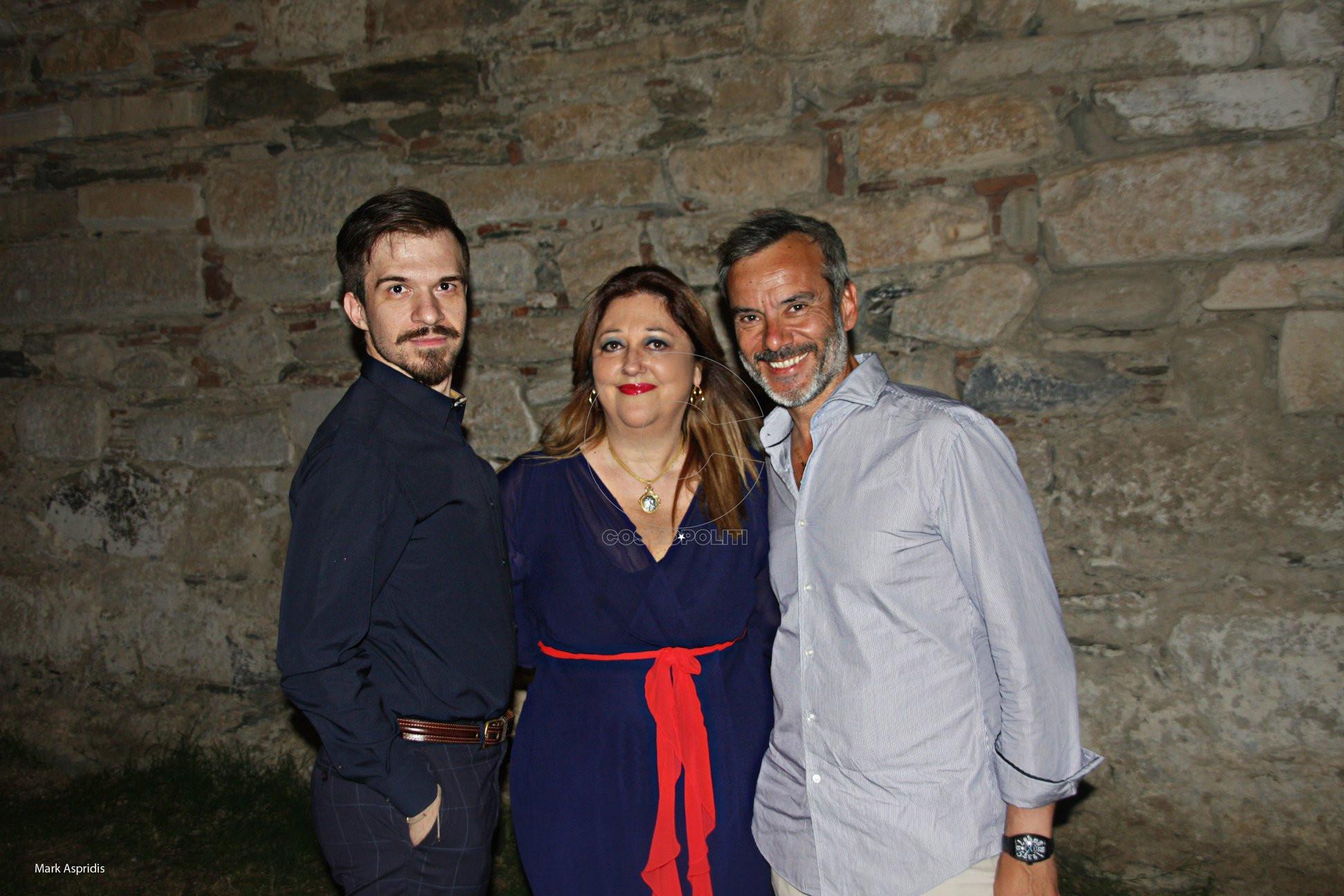 Ο καλλ. Διευθ. του Φεστιβάλ Αθ. Κολαλάς, η Πρόεδρος του ΚΠΜΚ Άννα Μυκωνίου, ο Δήμαρχος Κων. Ζέρβας