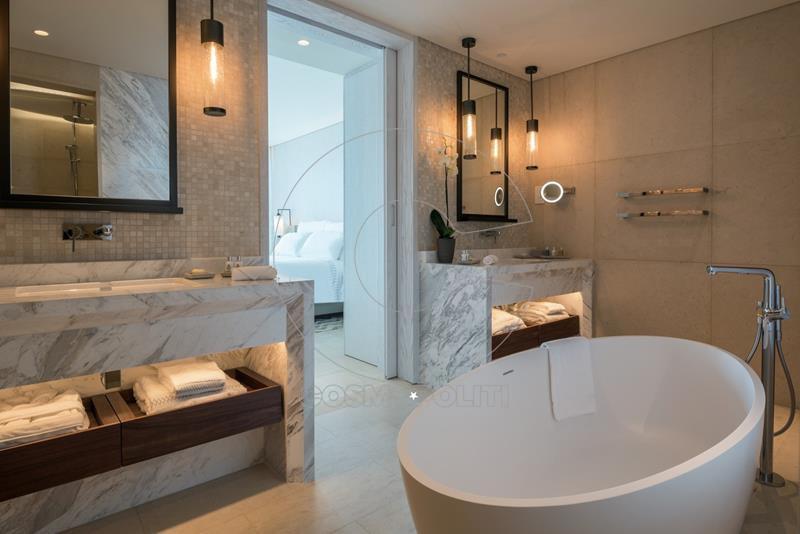 junior_suite_bathroom (Copy)