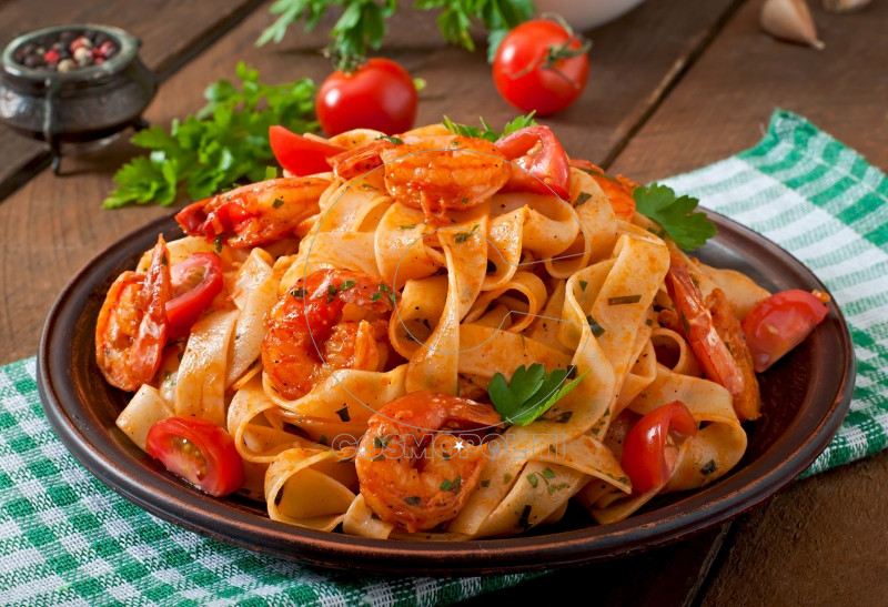 fettuccine-pasta-with-shrimp-tomatoes