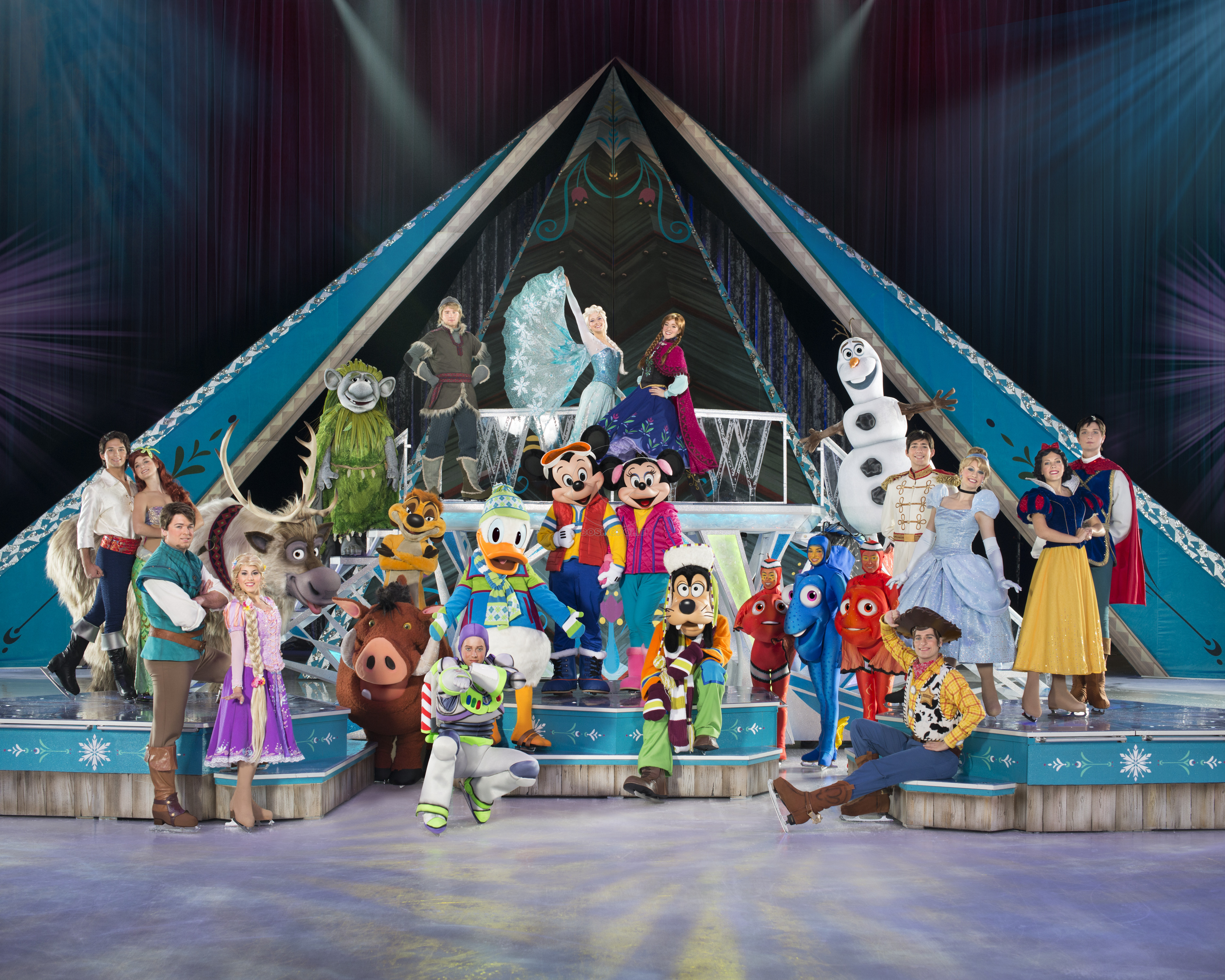 The cast of Disney On Ice presents Frozen
