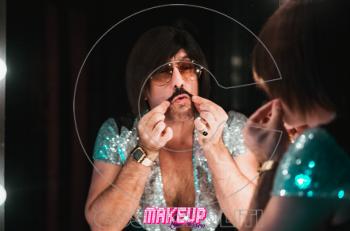 Tοnis Sfinos: πρεμιέρα στη Meke up Live Disco
