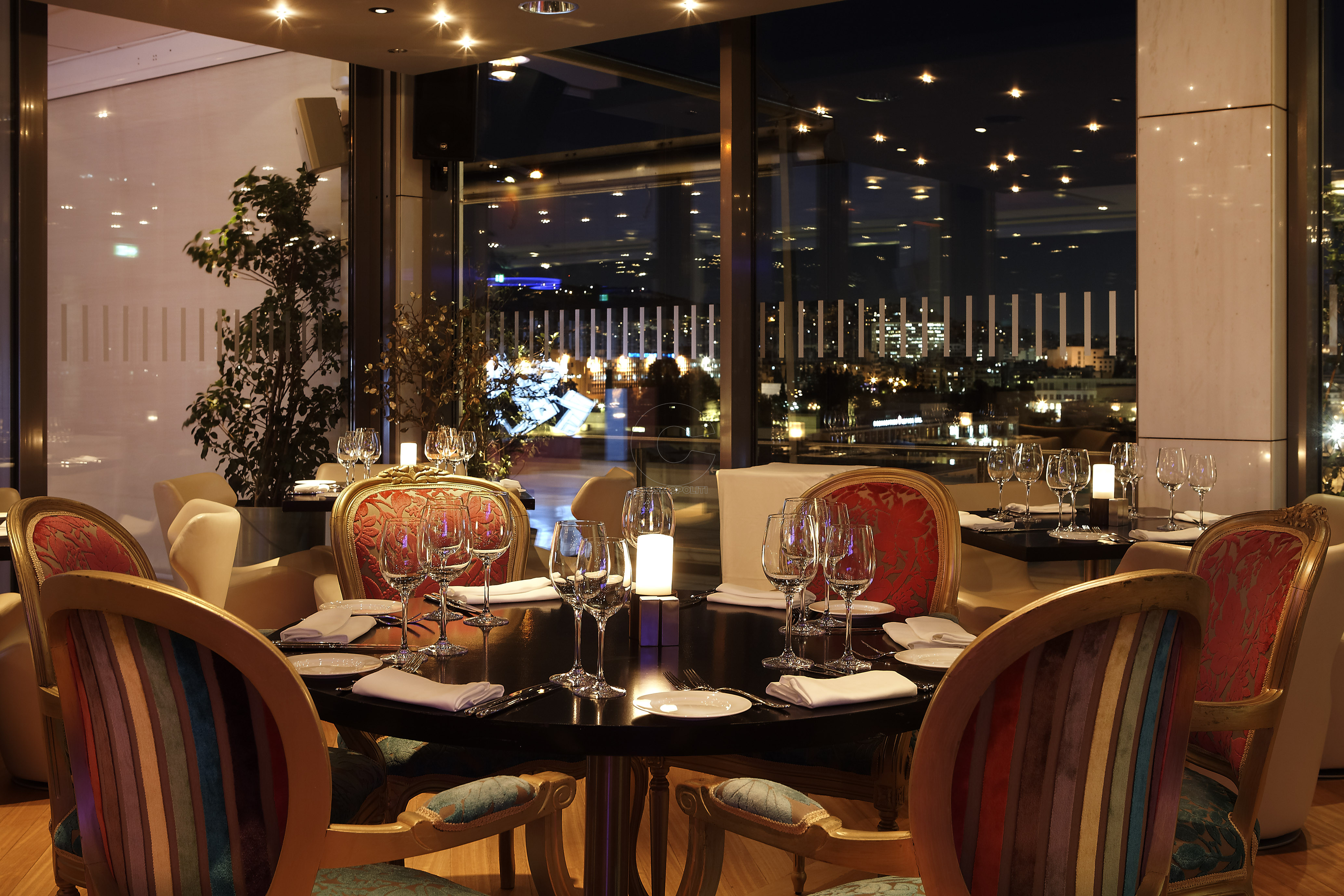 Galaxy_Restaurant_Interior