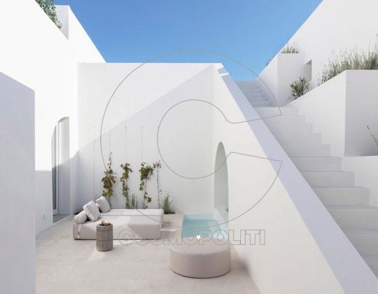 two-holiday-residences-fira-kapsimalis-540x420_M