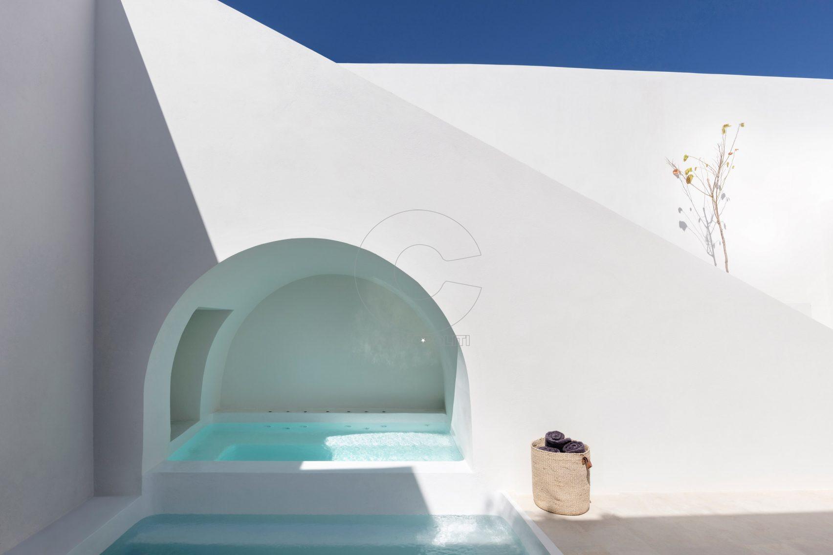 two-holiday-residences-fira-kapsimalis-architects-santorini-greece_dezeen_2364_col_5-1704x1136