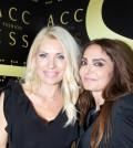 2 Η Ελένη Μενεγάκη με την ιδιοκτήτρια της ACCESS FASHION Κατερίνα Κίτσου