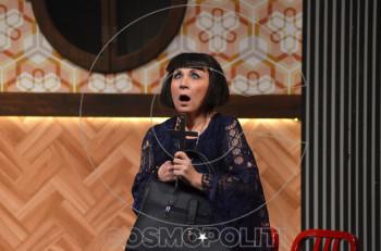 """H Μαίρη Σταυρακέλλη από το Α ως το Ω: """"Η καλόγουστη κωμωδία λειτουργεί ψυχοθεραπευτικά και για τον θεατή και για τον ηθοποιό"""""""