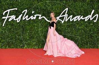 Εντυπωσιακές δημιουργίες από την Σίλια Κριθαριώτη στα British Fashion Awards