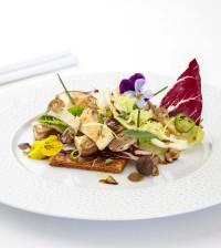 Crisp salad, mushrooms, walnuts and fig honey_29229
