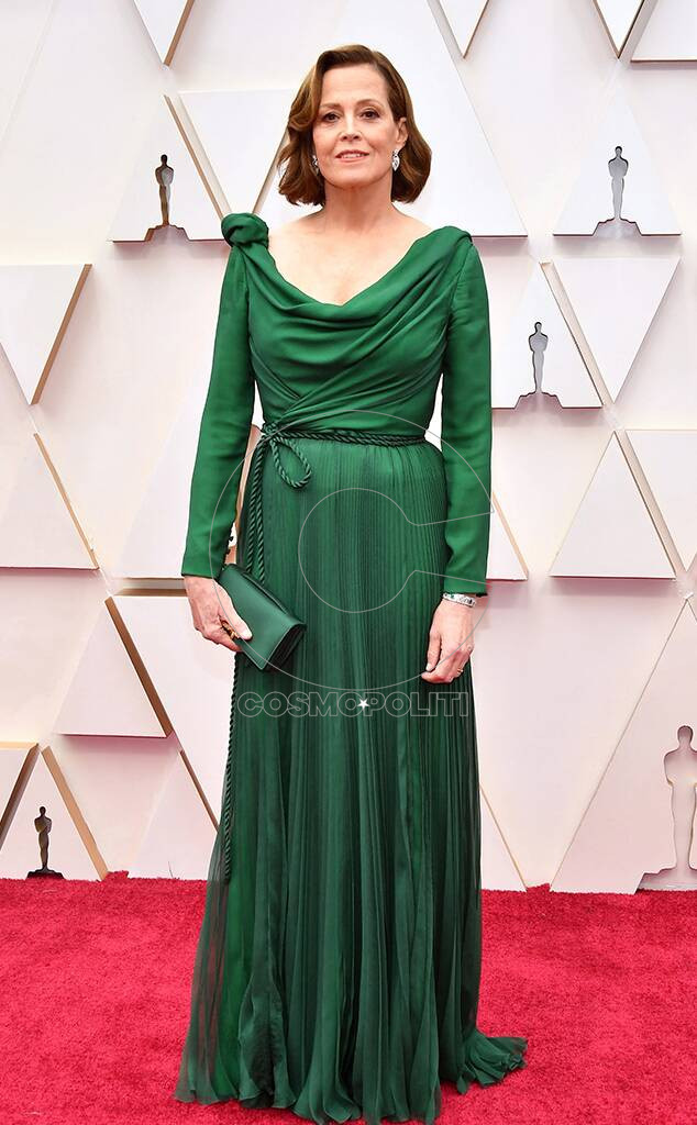 rs_634x1024-200209150227-634-sigourney-weaver-2020-oscars-awards-red-carpet-fashions.ct.020920