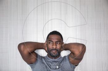 O σταρ του Χόλιγουντ Idris Elba θετικός στον κορωνοϊό