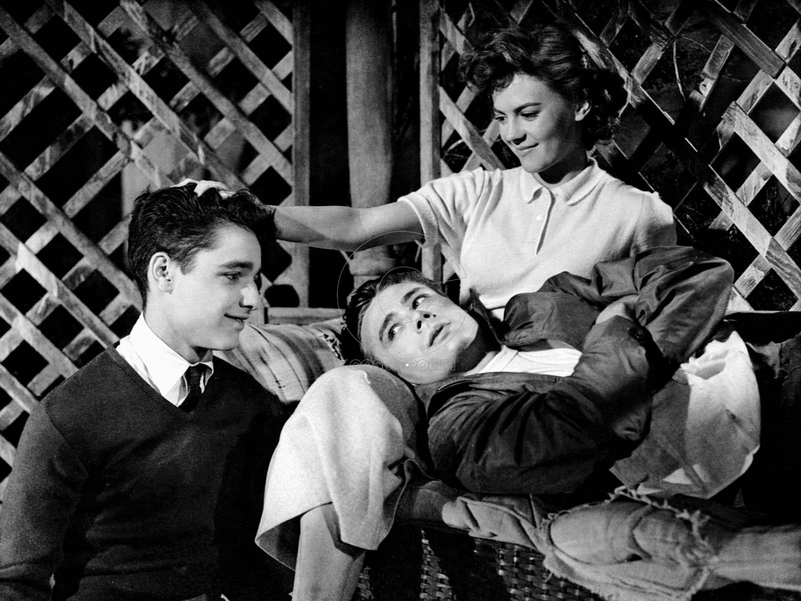 Sal-Mineo-Natalie-Wood-James-Dean-Rebel