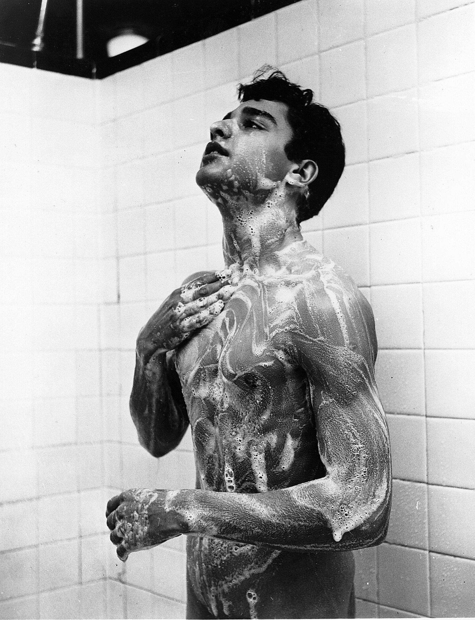 Editorial use only. No book cover usage. Mandatory Credit: Photo by Kobal/Shutterstock (5857640a) Sal Mineo Sal Mineo - 1955 On/Off Set