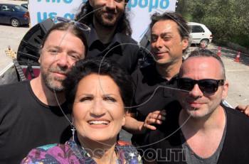 Ο Παντελής Ντζιάλας ένας από τους μουσικούς που συνόδευε την Α. Πρωτοψάλτη μιλά για την κινούμενη συναυλία