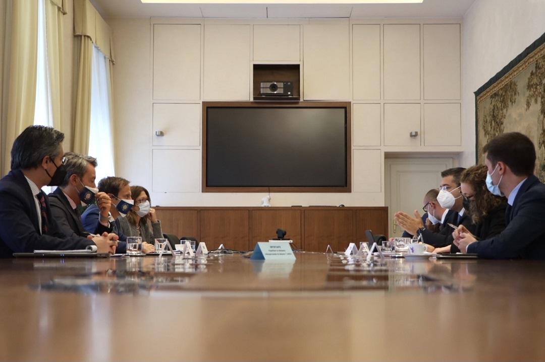 Απόστολος Τζιτζικώστας: Επίσκεψη στην Τεργέστη με ατζέντα συναντήσεων 15