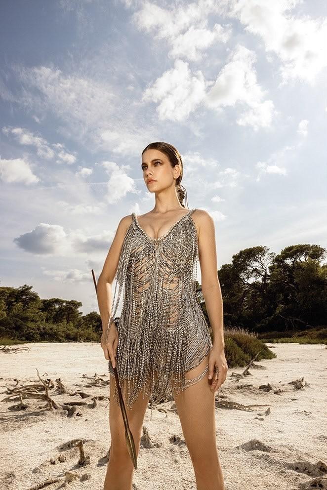 Ο άγγελος της Victoria Secret εντυπωσίασε φορώντας Celia Kritharioti 2